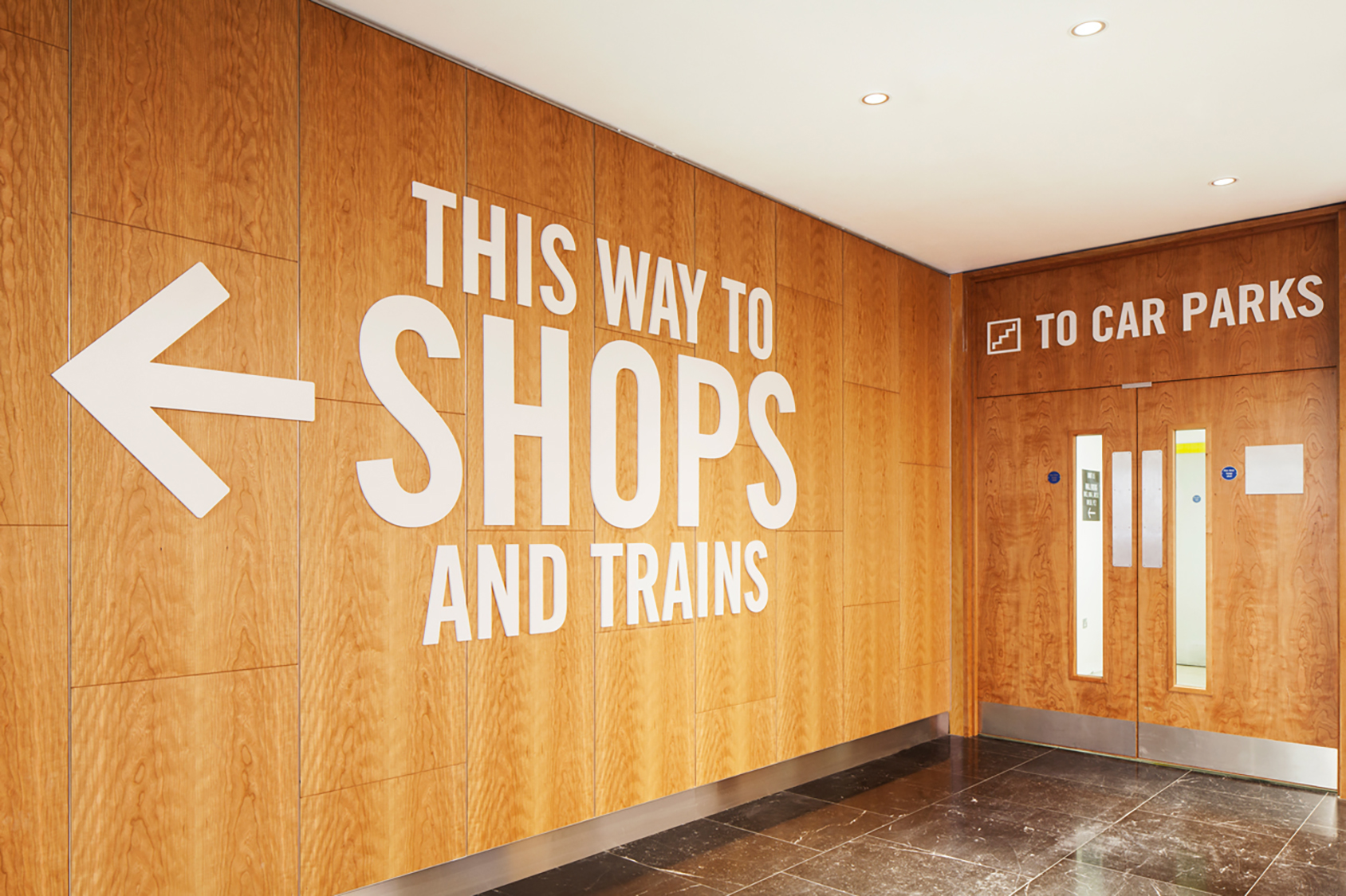 Wayfinding signage consultants – directions for shops and train