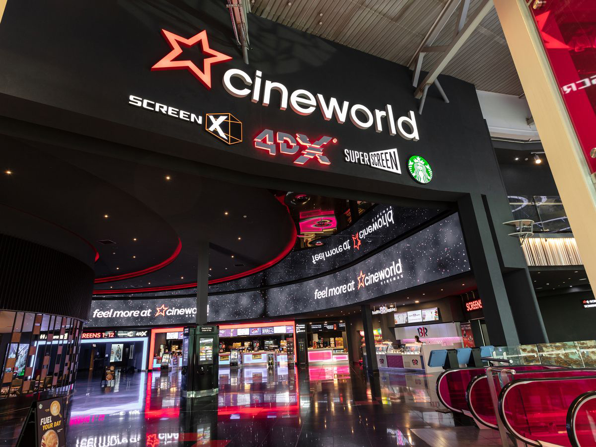 Indoor digital signage and wayfinding – Cineworld cinema