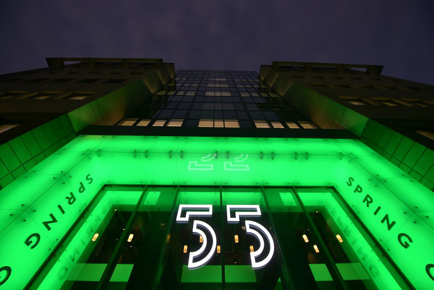 illuminated led signs – hotel exterior signage